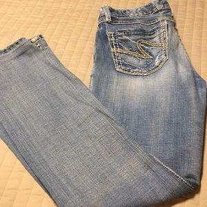 BKE 29 x 33 1/2 Sabrina jeans
